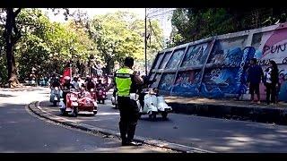 Video vespa touring indonesia : polisi takut saat di hampiri ribuan vespa MP3, 3GP, MP4, WEBM, AVI, FLV Juni 2018
