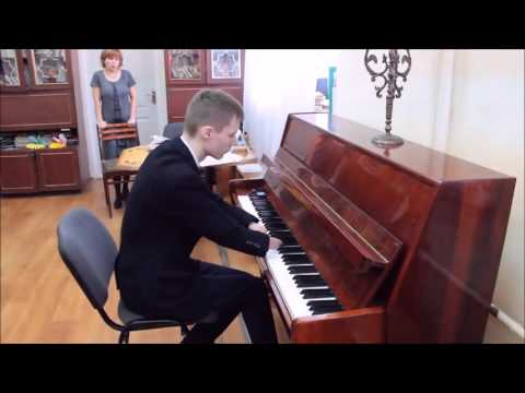 Guy With No Hands Plays Piano