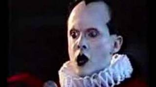 Musique: Klaus Nomi interprète The Cold Song