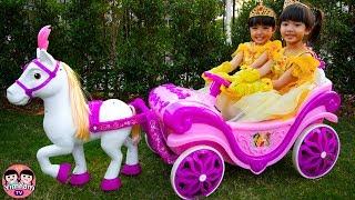 Video หนูยิ้มหนูแย้ม | รถม้าเจ้าหญิง Pretend Play with Princess carriage MP3, 3GP, MP4, WEBM, AVI, FLV Juni 2019