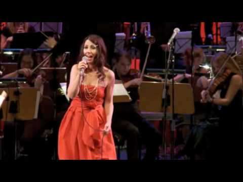 SIlvia Vicinelli sings