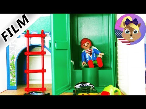 Playmobil Film English - JULIAN'S OWN TOILET! BATHROOM CLOSED! TYPICAL JULIAN - Smith Family