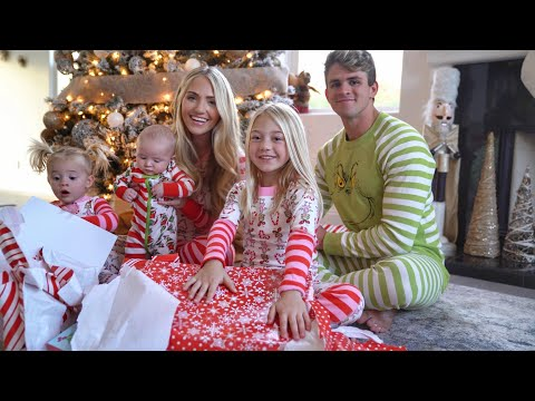 THE LABRANT FAMILY NEW CHRISTMAS INTRO 2020!!!
