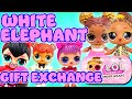 Download Lagu LOL Surprise Dolls Play White Elephant Holiday Game! Featuring Splash Queen! | LOL Dolls Families Mp3 Free
