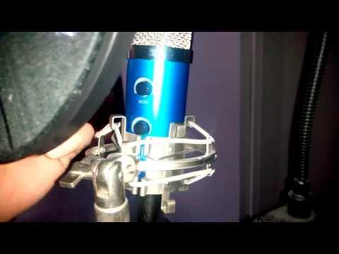Tonor BLAUES MIC SOUND TEST mit Echo Funktion Mini Stativ Windschutz Usb Soundkarte