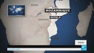 Abonnez-vous à notre chaîne sur YouTube : http://f24.my/youtube En DIRECT - Suivez FRANCE 24 ici : http://f24.my/YTliveFR Au Mozambique, les ...
