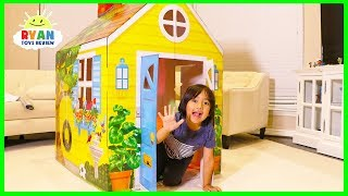 Video Ryan Pretend Play with  PlayHouse and Hides from Emma and Kate MP3, 3GP, MP4, WEBM, AVI, FLV Januari 2018