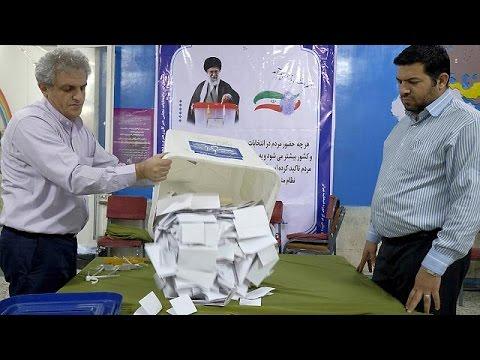 Ιράν: Μεγάλη προσέλευση στις κάλπες – Προηγούνται οι μεταρρυθμιστές