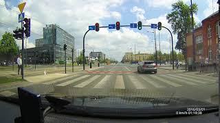 Gość zapi**dala Mercedesem AMG 180 km/h przez skrzyżowanie w centrum Łodzi!