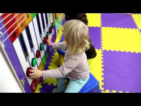 VLOG Диана в Карамельке! Развлечения для Детей Детская игровая комната КАРАМЕЛЬКА (видео)