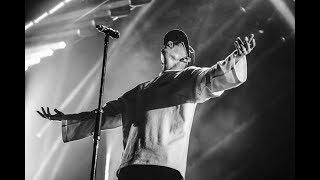 Тело фронтмена группы Linkin Park Честера Беннингтона было найдено в четверг 20 июля 2017 года в особняке Палос...