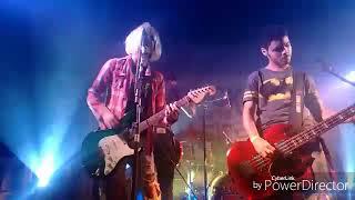 Signista Nirvana Tributo ao vivo in Rock you to hell 5 2017 em Poções Bahia Formação . Renno Siqueira -Vocal e Guitarra...