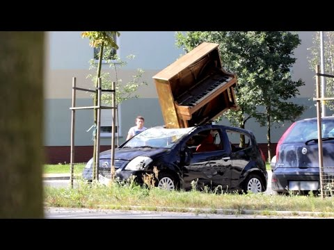 Car Crushed by Piano Prank