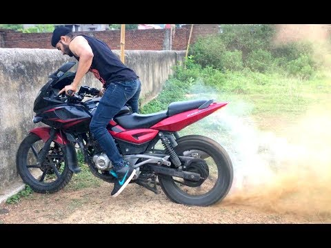 Video FUN WITH PULSAR 220 (STUNTS) download in MP3, 3GP, MP4, WEBM, AVI, FLV January 2017