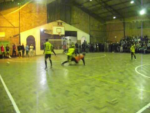 Final do Aberto de futsal em Araricá. Peñarol x Prezzi