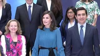 """S.M. la Reina preside la mesa debate """"Mujeres Excepcionales, el valor de una oportunidad"""""""