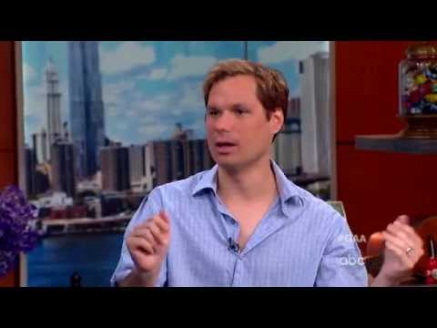 Michael Ian Black on New Book, Series 'Burning Love'