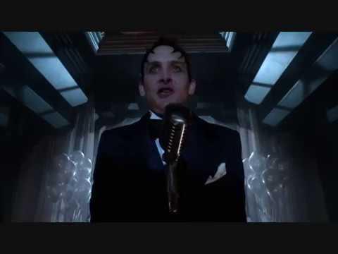 Cory Michael Smith (The Riddler) in TV Series Gotham S03E05 Scene #11