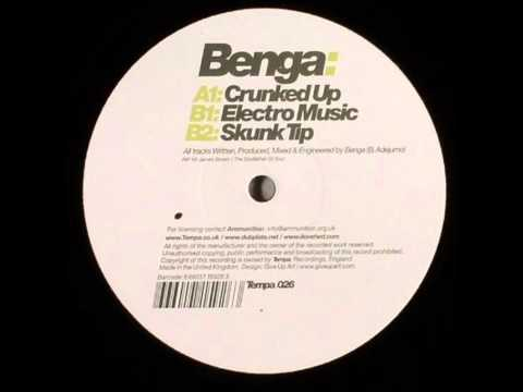 Video Benga - Crunked Up download in MP3, 3GP, MP4, WEBM, AVI, FLV January 2017