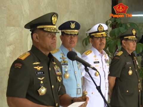 Sertijab Aster Panglima TNI dan Kapuspen TNI