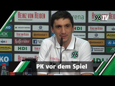 Spieltag: - Auf der PK vor dem Spiel gegen Eintracht Frankfurt sprachen Cheftrainer Tayfun Korkut und Sportdirektor Dirk Dufner mit den Journalisten.