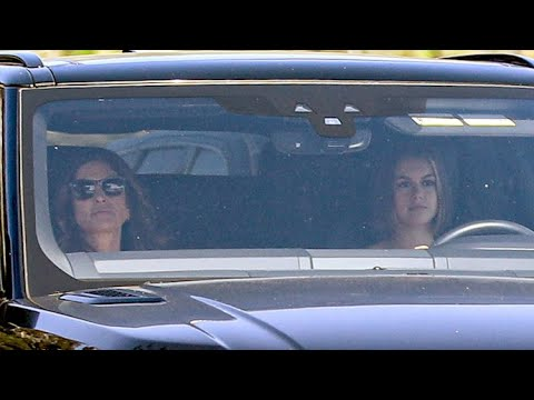 Kaia Gerber Displays New Cropped Hair Do During A Sunday Cruise With Mom Cindy Crawford