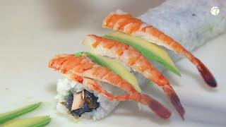 Sushi - Gebratene Lachshaut mit Garnelen und Avocado