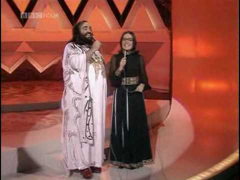 Nana Mouskouri & Demis Roussos  -  Happy to be on an island in the sund  - (видео)