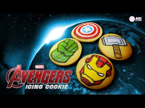 Avengers Icing Cookies! - Ari Kitchen