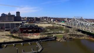 East Peoria (IL) United States  City pictures : Peoria IL River Aerial Drone Tour