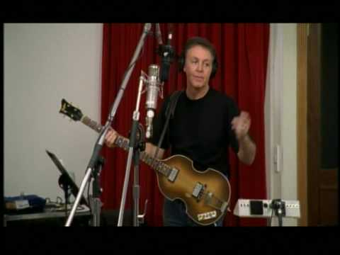 Paul McCartney – That's All Right Mama (with Scotty Moore & D J Fontana, Elvis' Guitarist & Drummer)