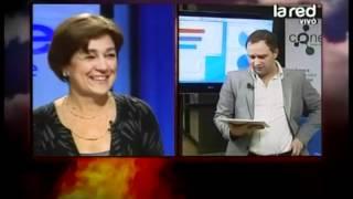 Josefa Errázuriz recibe la noticia de que está superando a Bellolio en Twitter