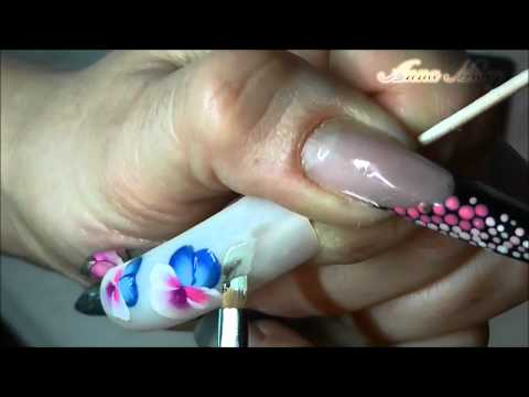 Nail Art by Anna Milay.