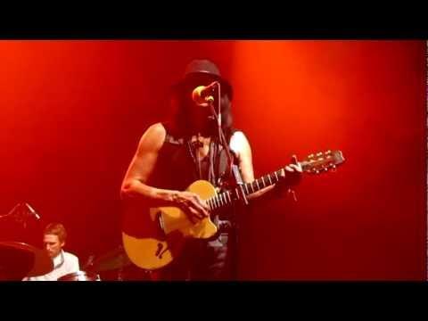 Tekst piosenki Sixto Rodriguez - Fever po polsku