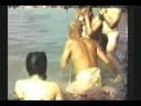 Video Inédito, Srila Prabhupada toma baño en el río Yamuna