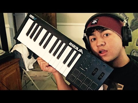 Electronic Music With Alesis V25 Keyboard (Live)