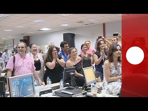 workers; - Journalists at ERT reacted with applause and cheers to news of the court ruling ordering the... euronews, the most watched news channel in Europe Subscribe f...