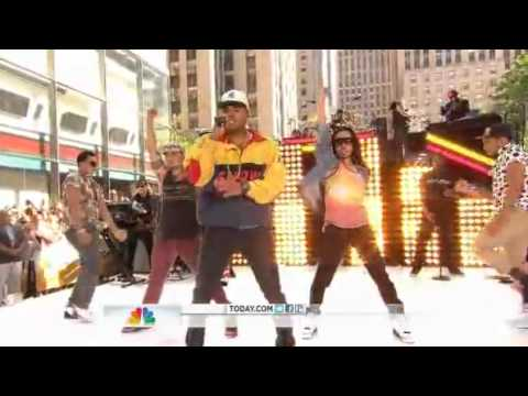 Chris Brown - Turn up The Music Today Show 2012 (видео)