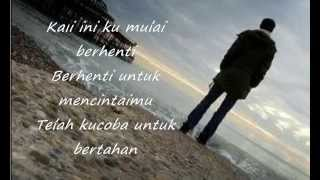 Download lagu DYGTA - Cinta Aku Menyerah (Lyrics) Mp3