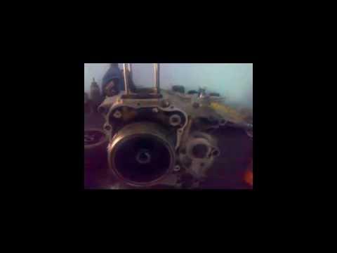 como reparar una motocicleta y encontrar el punto muerto superior