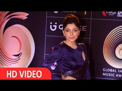 Kanika Kapoor At Red Carpet Of GIMA Awards