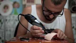 Erregiro creating Nicki Minaj custom Blythe doll - YouTube