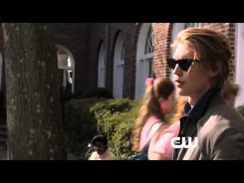 The Carrie Diaries Season 1 (Clip 'New Kid')