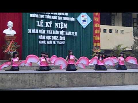Múa quạt Quê tôi - tốp nữ trường THPT Trần Hưng Đạo - Thanh Xuân