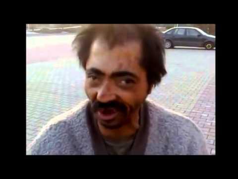 VTIPNÉ VIDEO: Rapující cikánský bezdomovec
