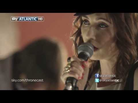 Carice van Houten - Carice van Houten sings 'Siren Or The Sea' from her album 'See You On The Ice'. Thronecast S03E10 Band: JB Meijers - Guitar Ken Stringfellow - Keys Manuel Hu...