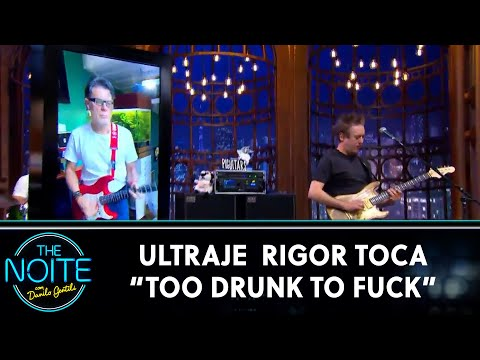 "Ultraje a Rigor toca ""Too Drunk To Fuck"" 