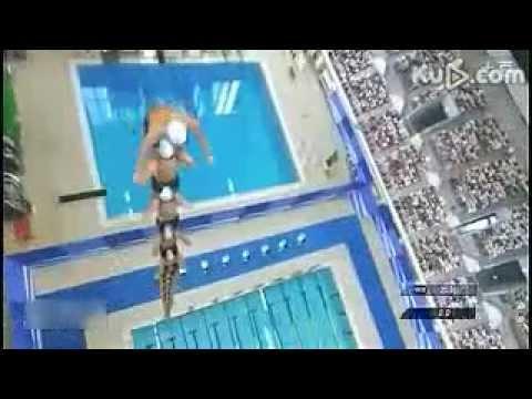 如果這樣去比游泳比賽,不第一名也難!