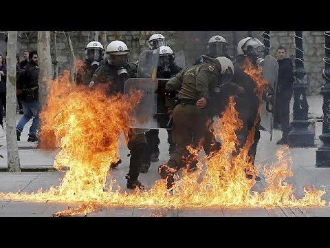Ελλάδα: Μαζικές απεργιακές κινητοποιήσεις – Επεισόδια με κουκουλοφόρους