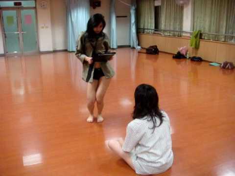 OL女生跳艷舞,真得太挑逗了!